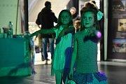 Předvánoční karnevalové odpoledne v brněnském OC Letmo.