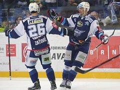 Na snímku vpravo Hruška.