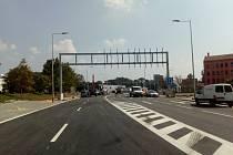 Po přes rok trvající rekonstrukci se v pátek v noci otevře Dornych řidičům. Projedou v něm celkem čtyřmi pruhy.