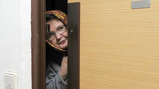 Podvodnice okrádala důchodce ve Znojmě. Policie šetří pětadvacet případů