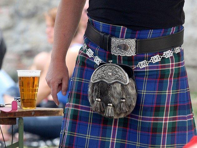 Svátek sklizně a chleba Lughnasad si lidé užívali v sobotu odpoledne na Hradě Veveří. Zájemci shlédli budování keltské vesničky a vyzkoušeli si, jak se dřív Keltům žilo.