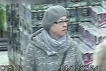 Poznáte zlodějku? Se svým společníkem okrádají starší lidi v obchodech po celé jižní Moravě.