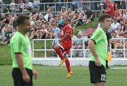 Utkání mezi TJ Start Brno (v červeném) proti TJ Rajhradice. Na snímku Micův gól na 1-0.