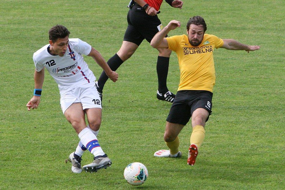 24.6.2020 - 26 kolo F:NL mezi domácí SK Líšeň (bílá - Jakub Kučera) proti FK Baník Sokolov (žlutá - Marek Krátký)