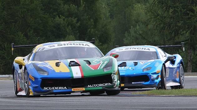 Evropský šampionát vozů Ferrari se vrací na okruh po třech letech.