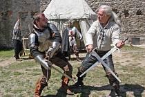 Den plný her, soutěží a zábavy nejen pro děti si v sobotu připravilo hnutí Brontosaurus na hradě Veveří.