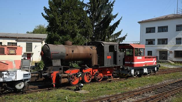 Parní lokomotivu čeká renovace.