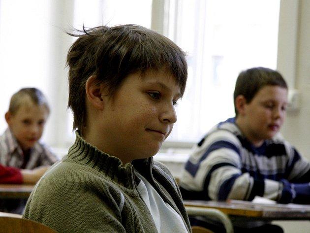 Stanou se právě tito kluci studenty na gymnáziu na třídě kpt. Jaroše?