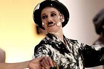 Lipské divadlo zahrálo v Brně baletní představení o osudu Charlieho Chaplina.