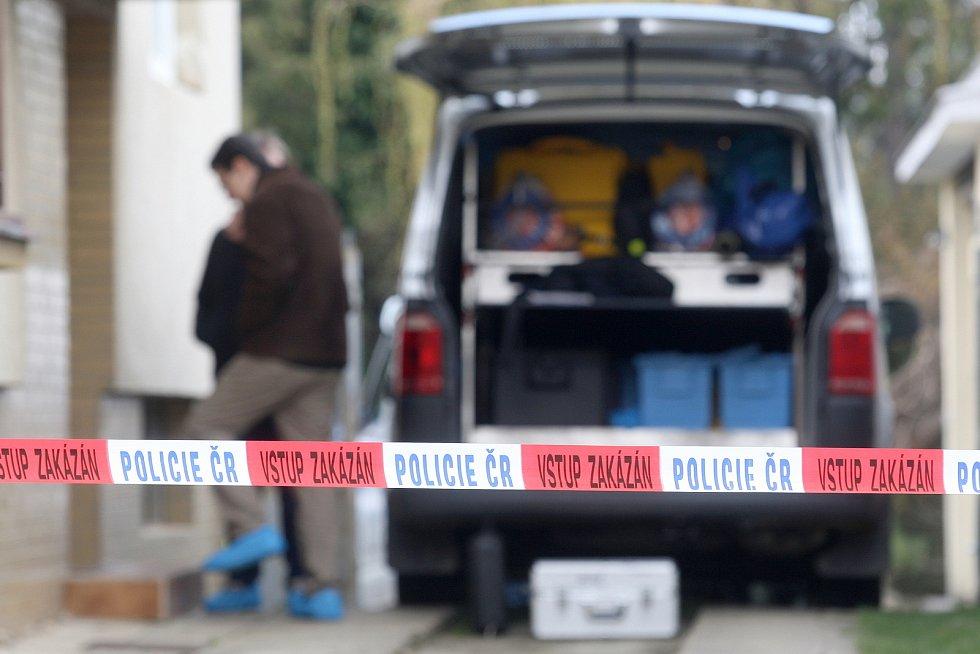 Policisté na místě střelby v Ostopovicích na Brněnsku.