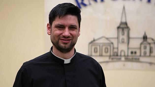 Kněz René Václav Strouhal.