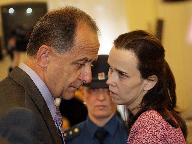 Kateřina Mauerová se svým právním zástupcem Pavlem Holubem