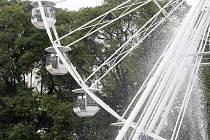 Od úterka je v provozu vyhlídkové kolo na Moravském náměstí.