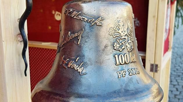 Adventní zvon, který půjde do dražby