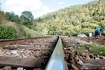 Oba přejezdy se rozhodla Správa železniční a dopravní cesty zmodernizovat a zvýšit tím jejich bezpečnost. Omezení spojená s opravami potrvají stejně jako rekonstrukce do konce měsíce.