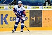 Domácí Kometa Brno Tomáš Plekanec (modrá) proti Spartě Praha (bílá)
