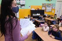 Brno 28.1.2021 - předávání pololetního vysvědčení v ZŠ Kamenačky - třída 1.A