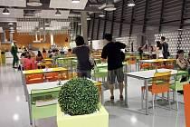 Masarykova univerzita ve čtvrtek slavnostně otevře novou menzu v areálu bohunického kampusu.