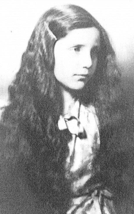 Erika Bezdíčková v dětství.