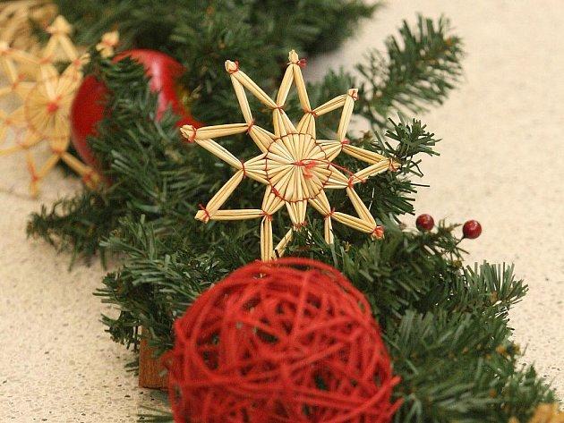 V Brně vznikl nejdelší ručně dělaný vánoční řetěz.