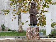 Permoník na náměstí v Oslavanech.