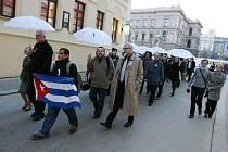Pochod za Kubu v Brně.
