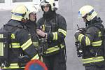 Zmatek, stres, nevědomost. Takové pocity provázely v pondělí ráno většinu Brňanů. Na třídě Kapitána Jaroše po sedmé hodině ráno řešili hasiči výbuch plynu v podzemí v oblasti pod místním gymnáziem a kvůli tomu evakuovali stovky lidí.