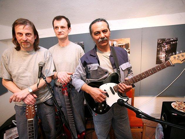 Hudební skupina V sedě z kuřimské věznice.