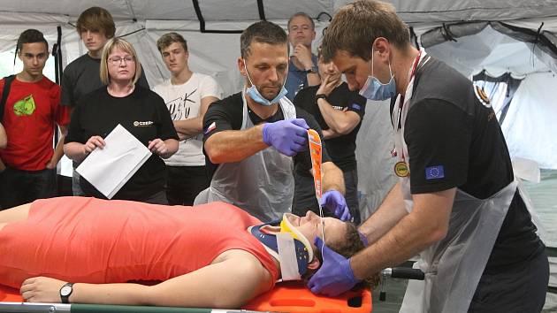 Pomohou při pohromách. Trauma tým cvičí v Brně