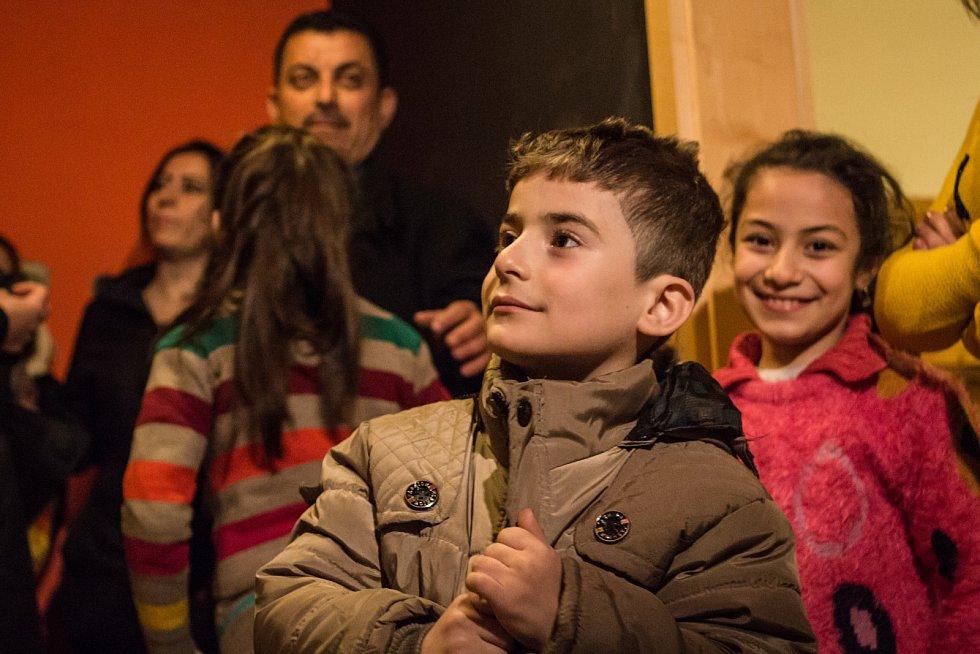 Do Brna přicestovala skupina víc než dvaceti uprchlíků z iráckého Mosulu.
