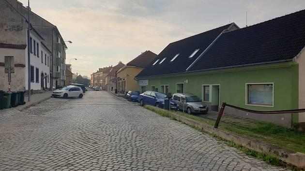 Jungmannova ulice v Tišnově, kde došlo k útoku nožem.