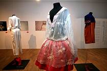 Sedm návrhářů představilo v Uměleckoprůmyslovém muzeu brněnskému publiku výsledky tvůrčího zamyšlení nad architekturou Dušana Jurkoviče.