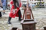 Středověká atmosféra dýchla v sobotu na ty, kteří procházeli náměstím Míru v Tišnově. Město si totiž připomínalo výročí získání městského znaku.