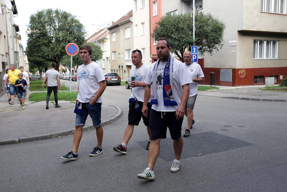 Zbrojovka - Baník. Ostravské fanoušky v Brně čekala přísná bezpečnostní opatření.