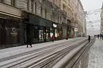 Centrum Brna zasypal sníh. Na snímku Masarykova ulice.