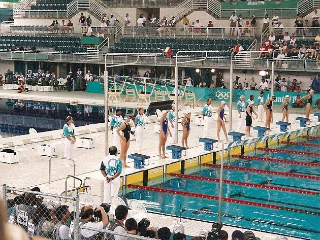 Ještě před dovršením plnoletosti se plavkyně Pavla Chrástová postavila na start olympijského závodu.