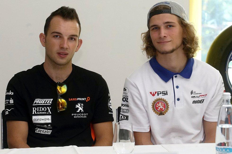 Tisková konference před Grand Prix 2017 v Brně - zleva Jakub Kornfeil a Karel Hanika.