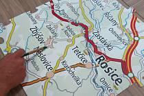 Šest velkých kousků puzzle se jmény zdejších obcí složil Mikroregion Kahan. Finanční částkou podpořil projekt Spojme Česko, který má za úkol přinést dostatek prostředků na plánovaný dětský hospic.