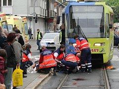 Tramvaj srazila ženu v ulici Milady Horákové.