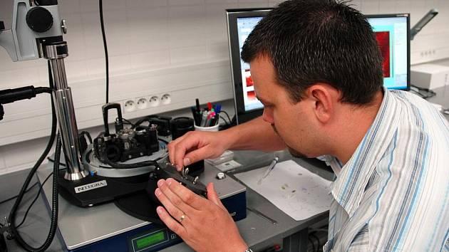 Oko nanotechnologií, které pomáhá při vyšetření neplodnosti mužů.