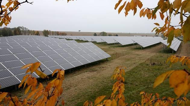 Solární elektrárna. Ilustrační snímek.