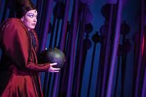 V roli hadače se představí Jana Walingerová.