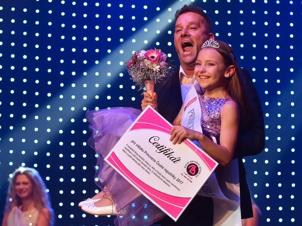 Dívka Česka. Titul Princezna Česka si odnesla devítiletá Melánie Mařanová z Brna.