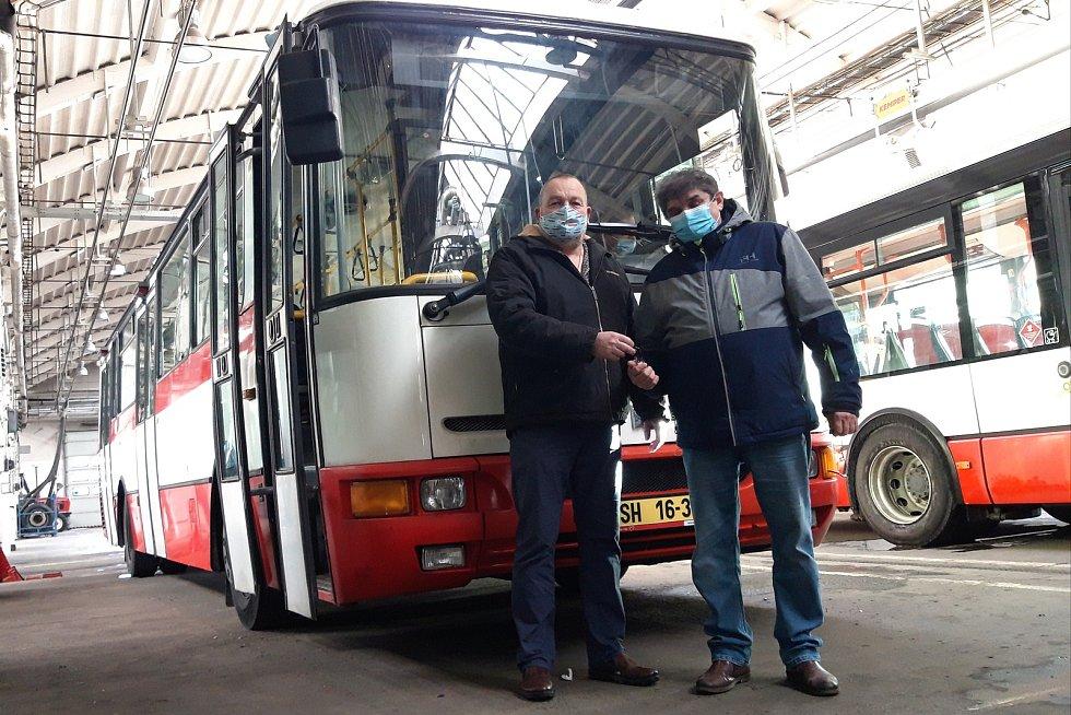 Jednu Karosu B931 brněnský dopravní podnik nedávno daroval na dobročinné účely, o další mají zájem sběratelé.