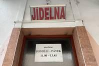 Jídelna Kocourek v Brně, kde se salmonelou nakažené polské maso objevilo.