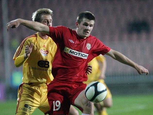 Milan Lutonský v zápase s Duklou.