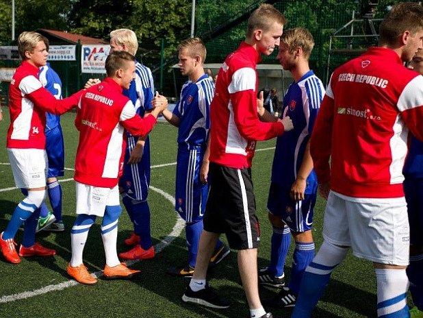 Česká lvíčata porazila soupeře ze Slovenska v malém fotbalu.