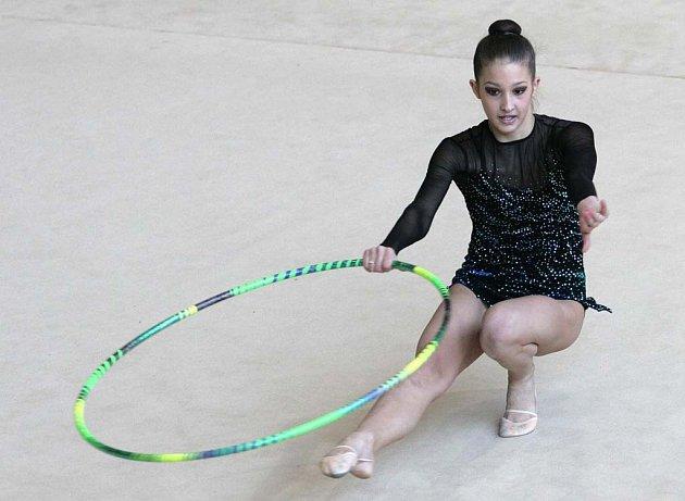 Šestnáctiletá Monika Míčková se o účast v Pekingu připravila hlavně při cvičení se švihadlem.