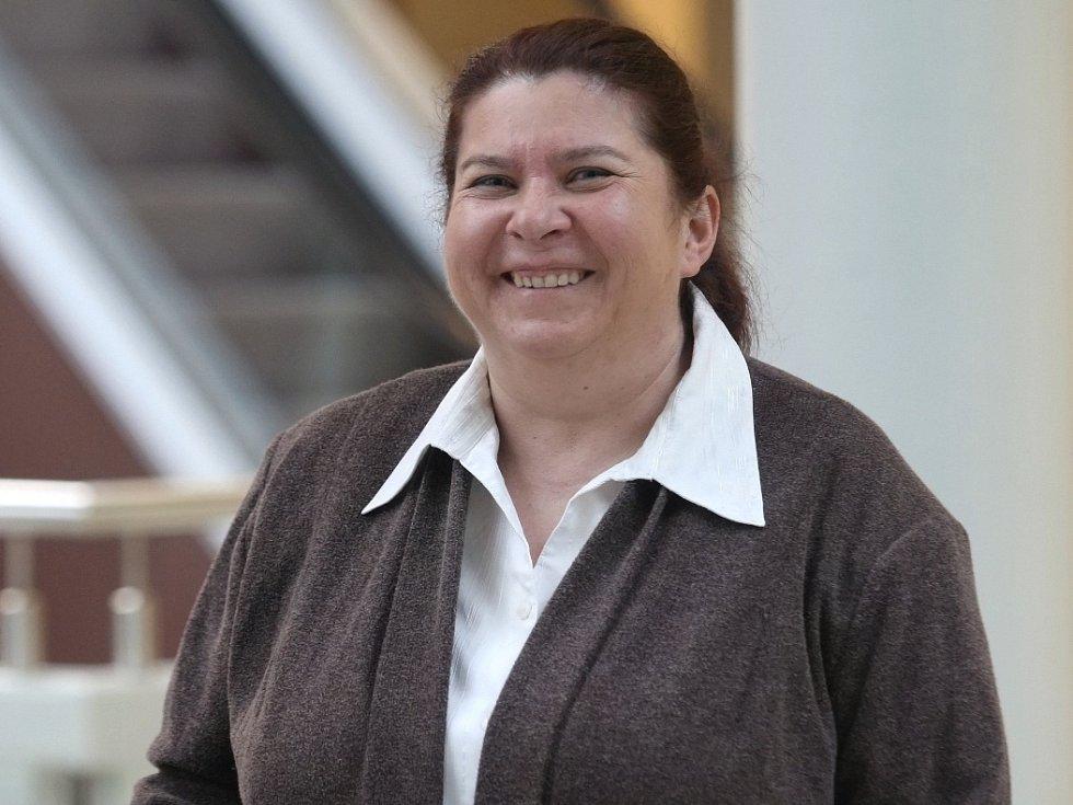 Bývalá starostka brněnských Medlánek Alena Valentová (na snímku) a tehdejší tajemnice městské části Jarmila Olejníková ve čtvrtek stanuly před Městským soudem v Brně. Měly si nezákonně vyplácet odměny.