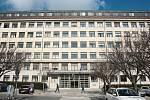 BRNO. Dřívější Všeobecný penzijní ústav fungoval od 60. let jako brněnský sekretariát krajského výboru KSČ. V roce 1986 architekt Milan Steinhauser přistavil střešní nástavbu. Od roku 1993 je objekt sídlem Nejvyššího soudu.